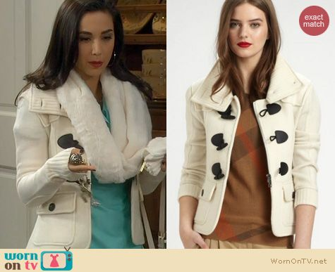 Last Man Standing Fashion: Burberry Brit White Toggle Coat worn by Molly Ephraim