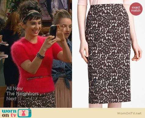 Last Man Standing Fashion: Michael Kors Cady Lace Pencil Skirt worn by Molly Ephraim