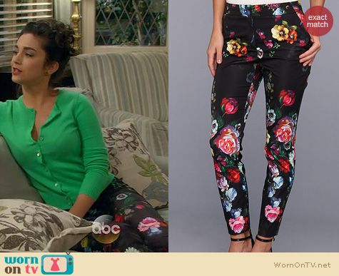 Last Man Standing Fashion: Ted Baker Diemond Oil Painting Floral Trousers worn by Molly Ephraim