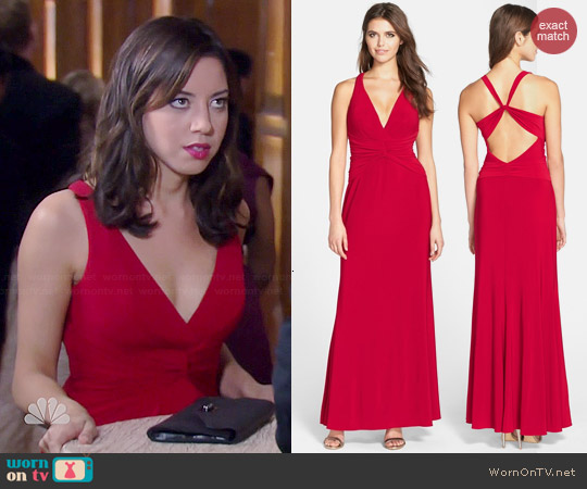 Laundry by Shelli Segal Knotted Jersey Cross Bag Gown worn by Aubrey Plaza on Parks & Rec