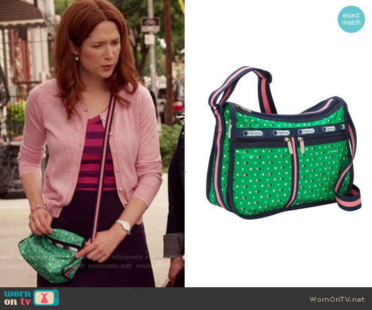 LeSportsac Deluxe Everyday Bag worn by Kimmy Schmidt on Unbreakable Kimmy Schmidt
