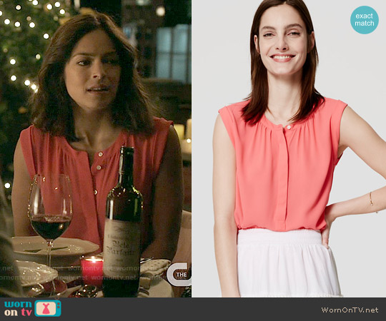 Loft Henley Shell in Neon Coral worn by Kristin Kreuk on Beauty & the Beast