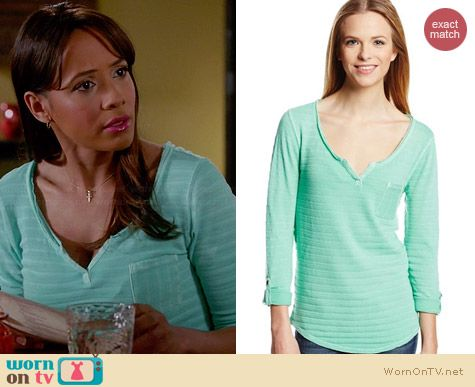 Lucky Brand Costa Mesa Pocket Top in Dusty Jade Green worn by Dania Ramirez on Devious Maids