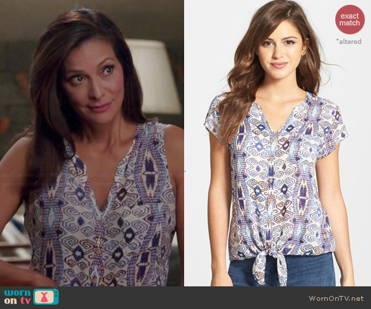 Lucky Brand Diamond Print Tie Front Top worn by Constance Marie on Switched at Birth
