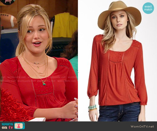 Lucky Brand Eyelet Trim Top worn by Olivia Holt on IDDI