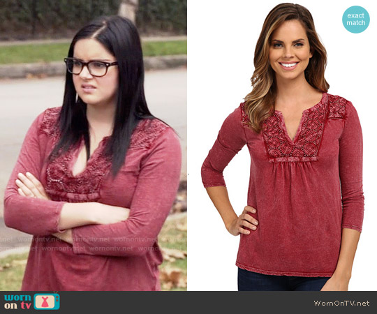 Lucky Brand Lace Placket Top worn by Ariel Winter on Modern Family