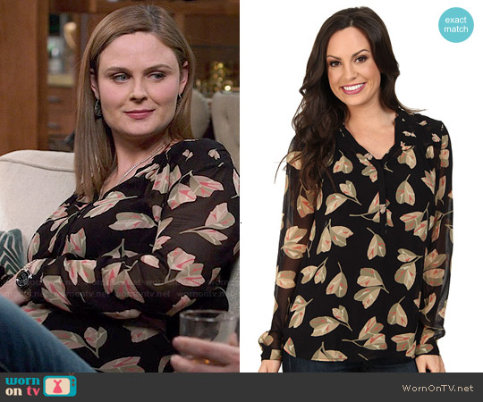 Lucky Brand Mixed Floral Top worn by Emily Deschanel on Bones