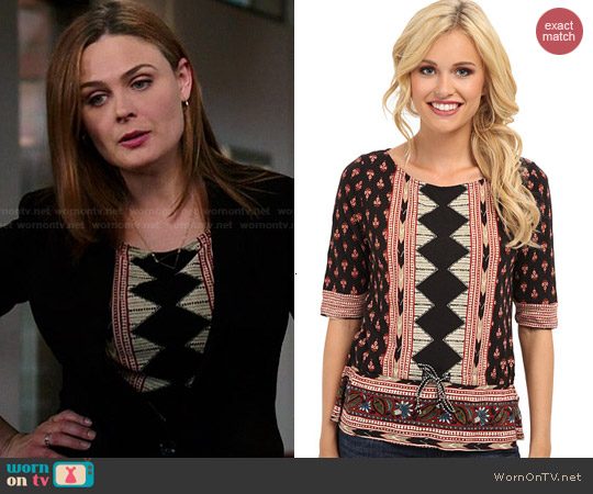 Lucky Brand Nyla Top worn by Emily Deschanel on Bones