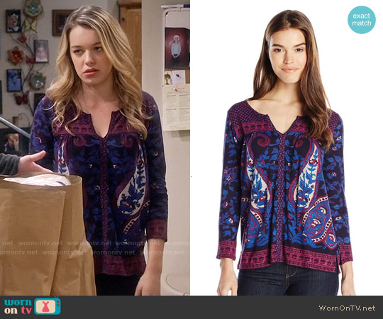 Lucky Brand Paisley Scarf Top worn by Sadie Calvano on Mom