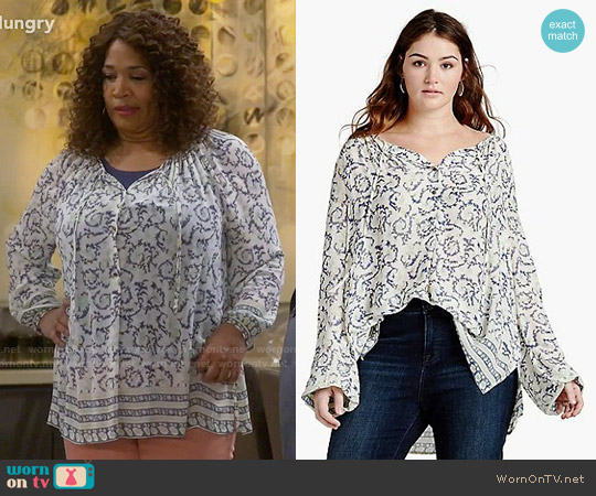 Lucky Brand Paisley Border Printed Top worn by Kym Whitley on Young & Hungry