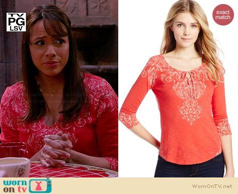 Lucky Brand Richmond Motif Tee worn by Dania Ramirez on Devious Maids