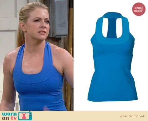 Lululemon Blue Scoopneck Tank worn by Melissa Joan Hart on Melissa & Joey