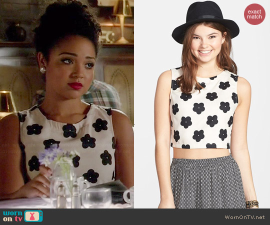 Lush Print Woven Crop Tank worn by Aisha Dee on Chasing Life