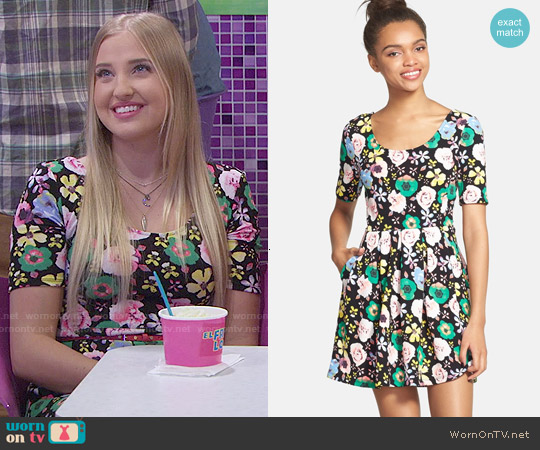 Lush Text Knit Skater Dress in Black Floral worn by Veronica Dunne on KC Undercover