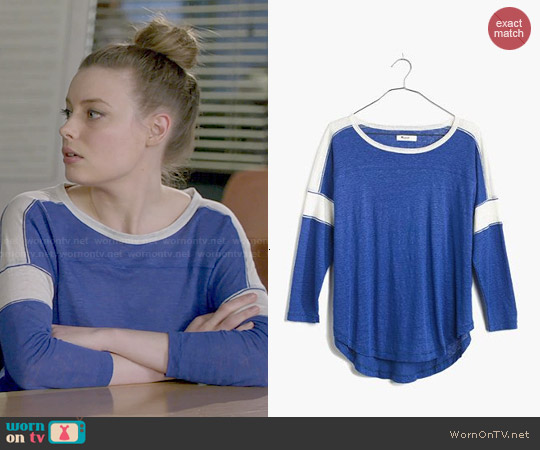Madewell Frontrunner Tee in Blue worn by Gillian Jacobs on Community