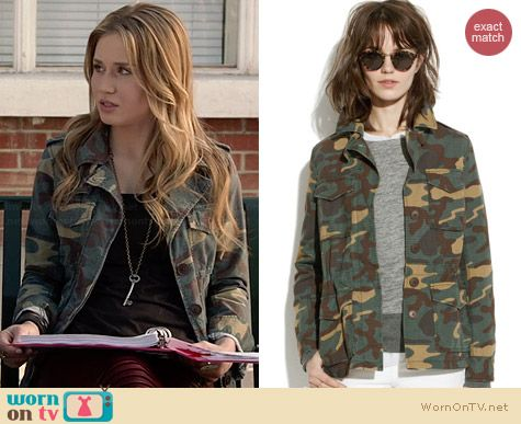 Madewell Outbound Jacket in Vintage Dyed Camo worn by Rita Volk on Faking It