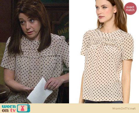 Madewell Scallop Ruffle Top in Dried Flax Dot worn by Alyson Hannigan on HIMYM