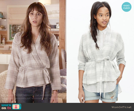 Madewell Tie-waist Wrap Shirt in Bleached Linen worn by Troian Bellisario on PLL