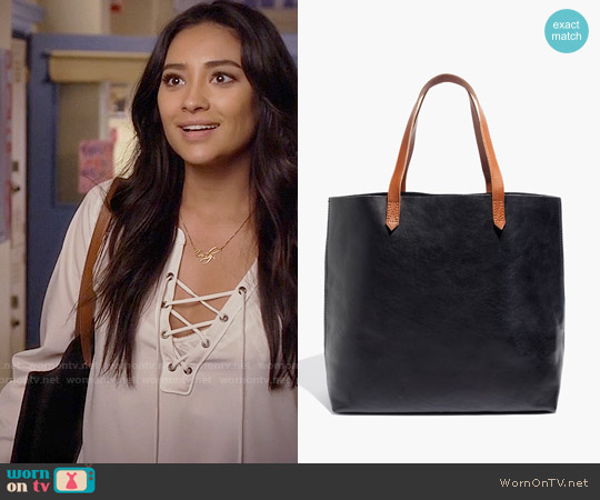 Madewell Transport Tote worn by Emily Fields on PLL