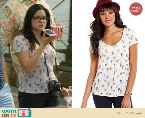 Maison Jules Balloon Print Tee worn by Ariel Winter on Modern Family
