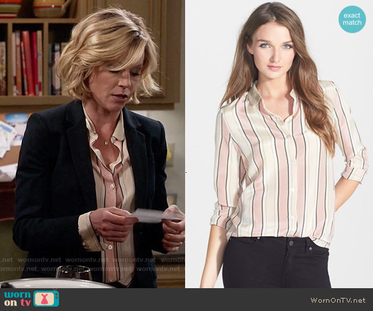 Maison Scotch Stripe Print Silk Shirt worn by Julie Bowen on Modern Family