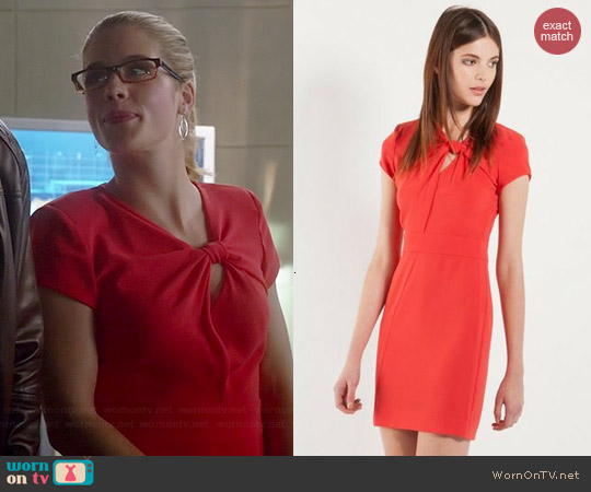 Maje Fashion Knotted Dress worn by Emily Bett Rickards on The Flash