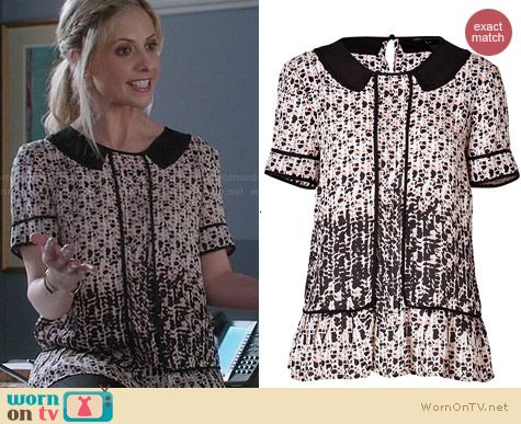 Marc by Marc Jacobs Isa Top worn by Sarah Michelle Gellar on The Crazy Ones