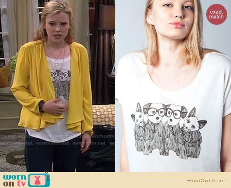 Melissa and Joey Fashion: Blondes make better tshirts Cats and Dogs tee worn by Taylor Sprietler