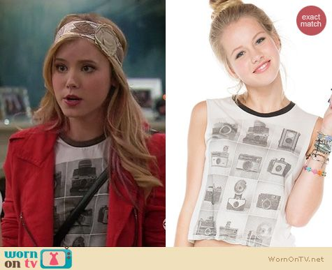 Melissa & Joey Fashion: Brandy Melville Agathe vintage camera tank worn by Taylor Spreitler