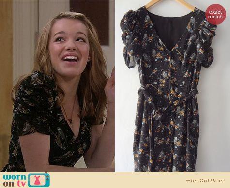 Melissa and Joey Fashion: H&M Bird print dress worn by Sadie Calvano