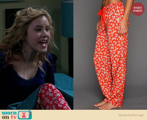Melissa & Joey Fashion: Juicy Couture Valentine Heart Pajama Pants worn by Taylor Sprietler