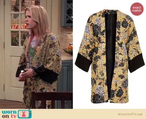 Melissa & Joey Style: Topshop Dotty Floral Kimono worn by Taylor Sprietler