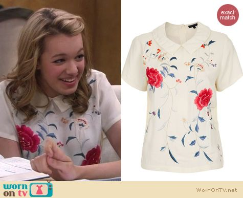 Melissa and Joey Fashion: Topshop embroidered floral collar tee worn by Sadie Calvano