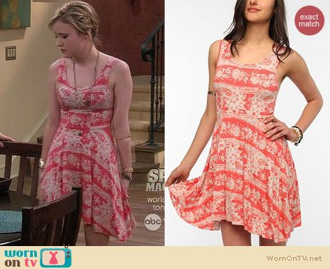 Melissa & Joey Fashion: Ecote lightweight circle dress at Urban Outfitters worn by Taylor Sprietler
