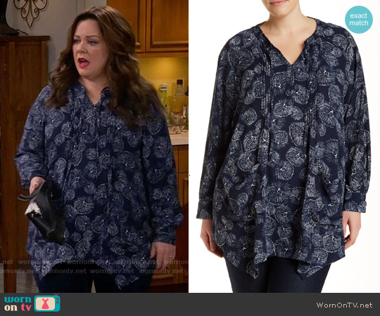 Melissa McCarthy Seven7 'Vivian Print' Pintuck Handkerchief Hem Top worn by Melissa McCarthy on Mike & Molly