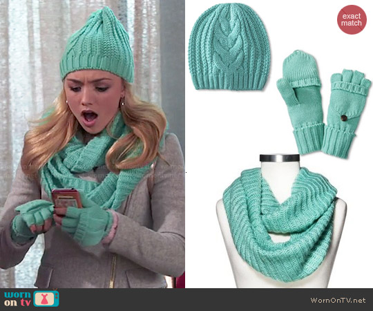 Wornontv Emmas Grey Zipped Coat And Turquoise Gloves Scarf And