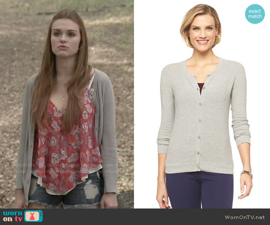 Merona Textured Long Sleeve Crew Neck Cardigan worn by Lydia Martin on Teen Wolf