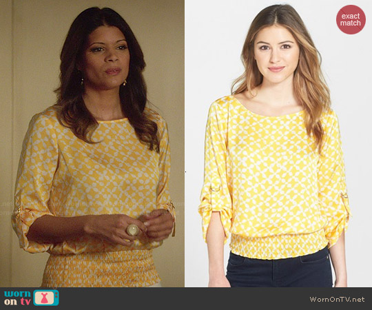 MICHAEL Michael Kors 'Musenyi' D-Ring Kimono Sleeve Top worn by Andrea Navedo on Jane the Virgin