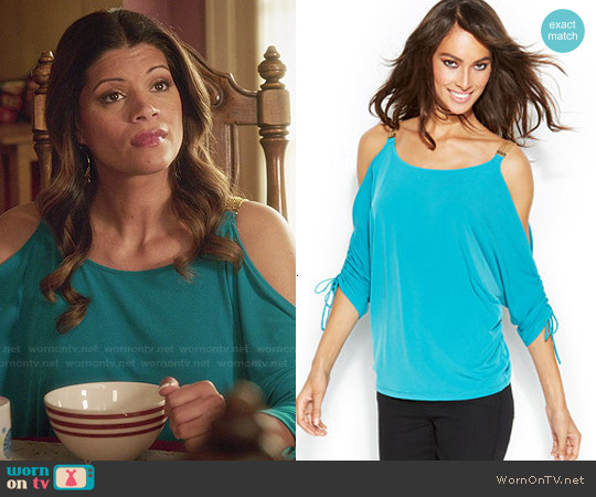 MICHAEL Michael Kors Chain Strap Cold Shoulder Top worn by Andrea Navedo on Jane the Virgin