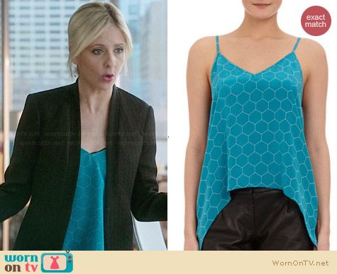 Mason by Michelle Mason Honeycomb Patterned Camisole worn by Sarah Michelle Gellar on The Crazy Ones