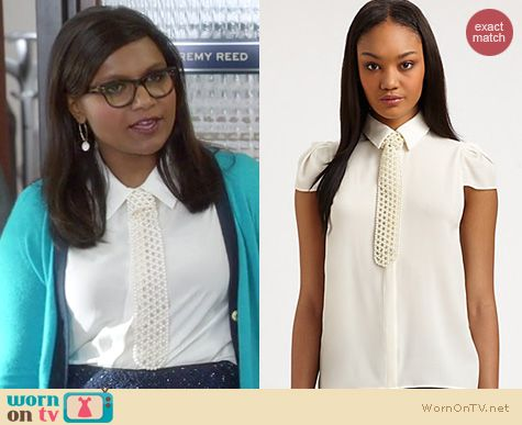 The Mindy Project Fashion: Alice + Olivia Torrey tie blouse worn by Mindy Kaling