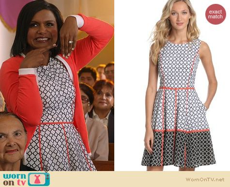 The Mindy Project Fashion: Jessica Simpson Print Fit and Flare dress worn by Mindy Kaling