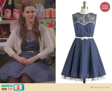 The Mindy Project Fashion: ModCloth A Dot To Love Dress worn by Zoe Jarman