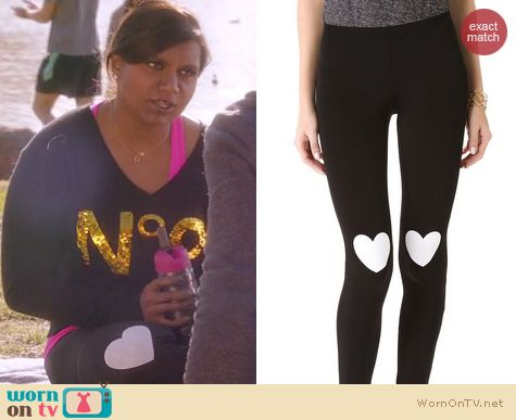 The Mindy Project Fashion: Plush heart print leggings worn by Mindy Kaling