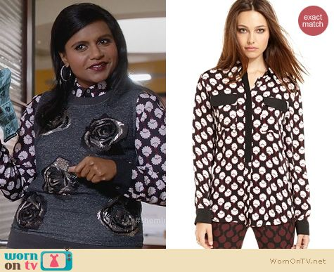 The Mindy Project Fashio: Rachel Roy Printed Blouse worn by Mindy Kaling