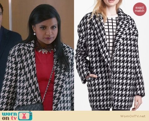The Mindy Project Fashion: Theory Danvey Houndstooth Coat worn by Mindy Kaling