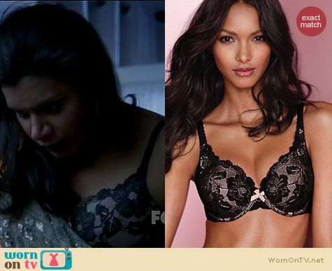 The Mindy Project Fashion: Victorias Secret Perfect Coverage bra in black lace worn by Mindy Kaling
