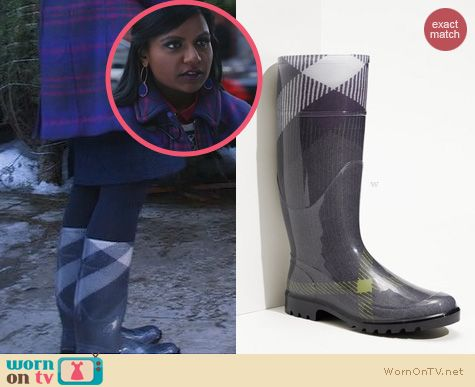 The Mindy Project Style: Burberry Grey Check Rain Boots worn by Mindy Kaling