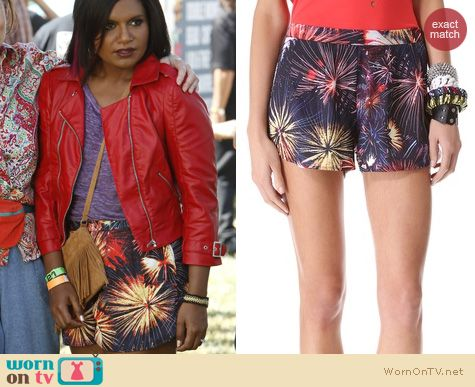 The Mindy Project Style: Lovers + Friends Woodstock Fireworks shorts worn by Mindy Kaling