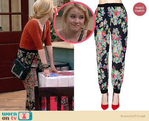Mink Pink Poison Lover Pants worn by Taylor Sprietler on Melissa & Joey